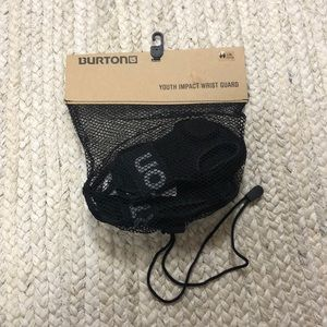 NEW Burton Black Youth Impact Wrist Guards, L/XL